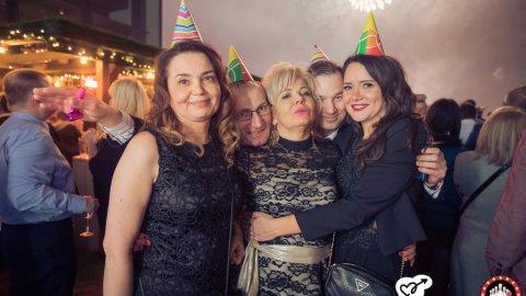Randki z kobietami i dziewczynami w Ktach maletas-harderback.com